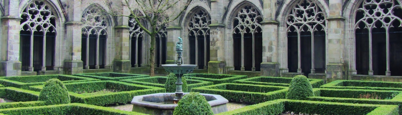 In 1985 is Taal doet meer opgericht als initiatief van een aantal Utrechtse kerken.